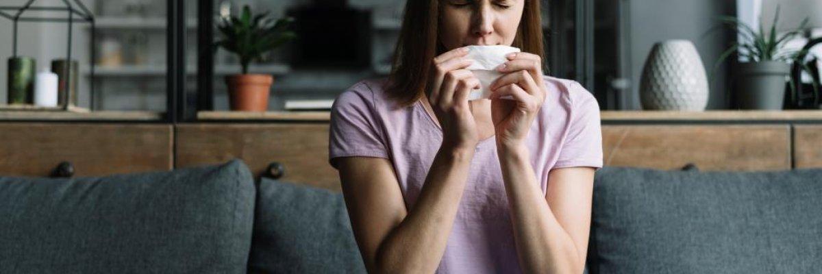 Tüsszögés roham: mi okozhatja?