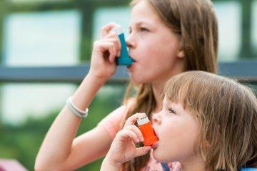 Miért fontos a normál testsúly az asztma kezelésében?
