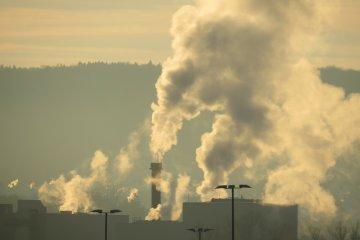 Allergiát, asztmát is jelezhet, ha bántja az orrát a füst!
