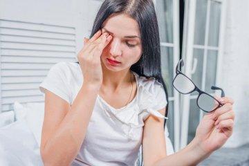Szemkönnyezés oka: allergia?