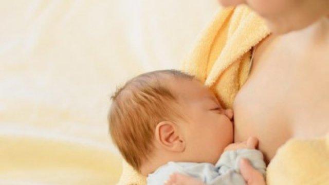 Anyatejes babának is lehet ételallergiás tünete?