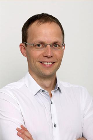 Dr. Babai László