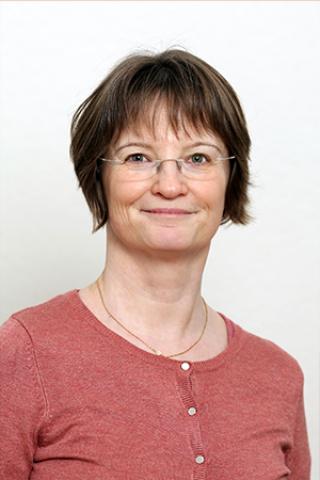 dr. Révay Edit