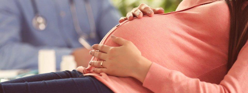 a rohamok kezelése terhesség alatt)