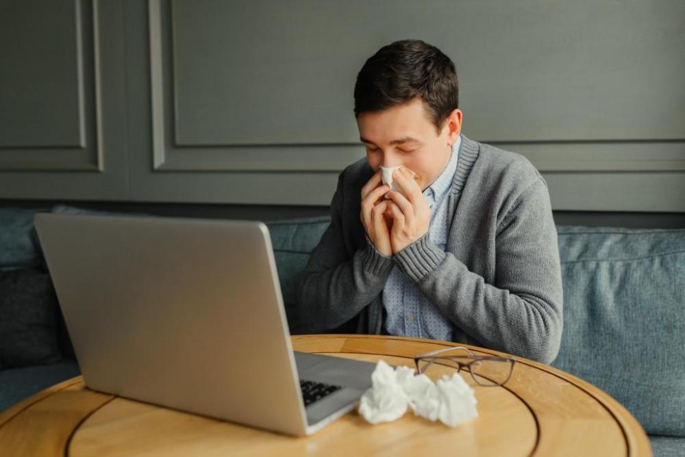 A túl sok munka, stressz mellett erősebbek az allergiás tünetek.